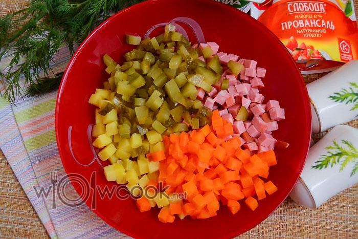огурцы и морковь