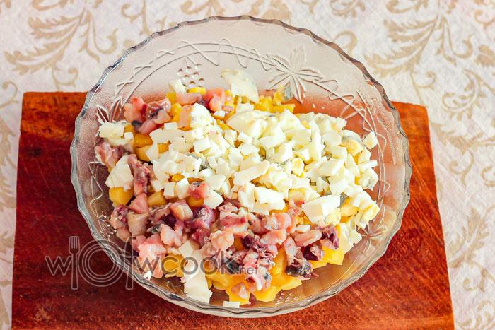 яйцо в салате