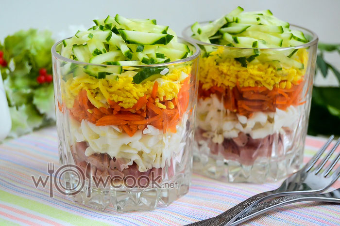 Салат с корейской морковью и ветчиной, рецепт