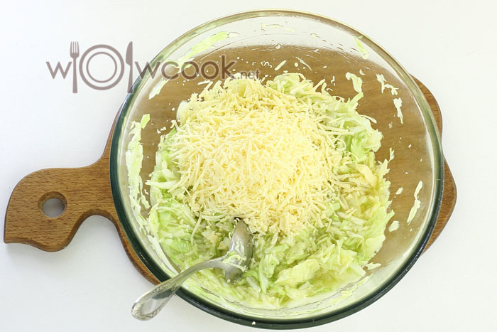 тертый сыр с капустой