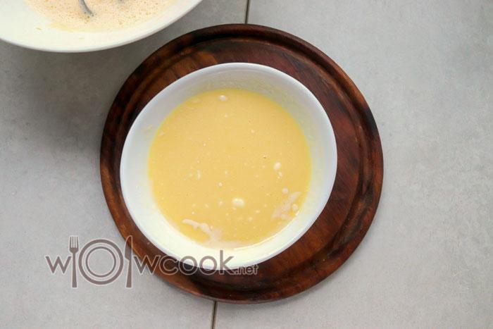 соединяем мед и соду