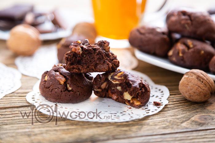 печенье с орехами и какао