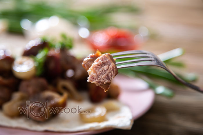 нежный шашлык из свинины в духовке