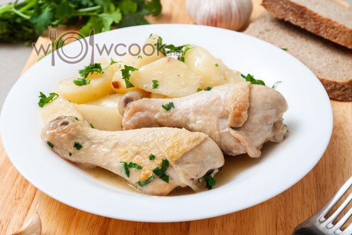 куриные ножки с картофелем на сковороде