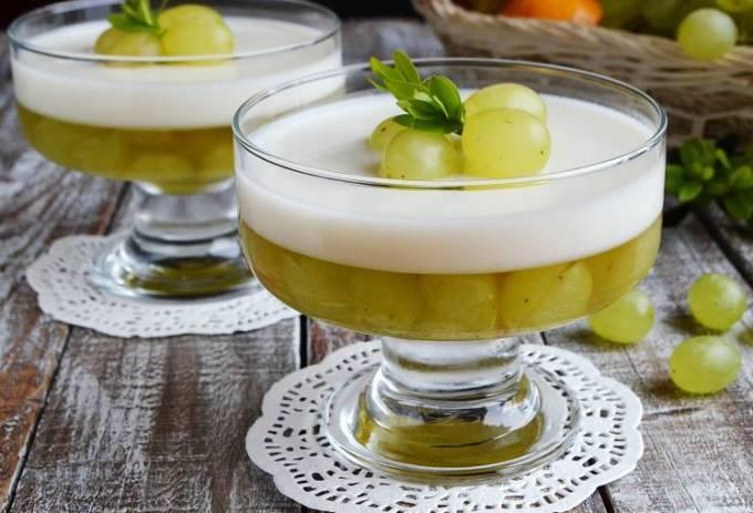 vkusnye-vinogradnye-deserty-top-3-luchshih-retsepta-s-foto-zhele-iz-vinograda-so-vzbitymi-slivkami